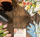 spring-and-garden-theme-flat-lay