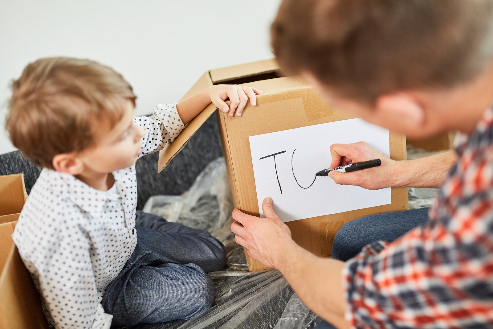 Essential Tips for Downsizing Your House With a Family
