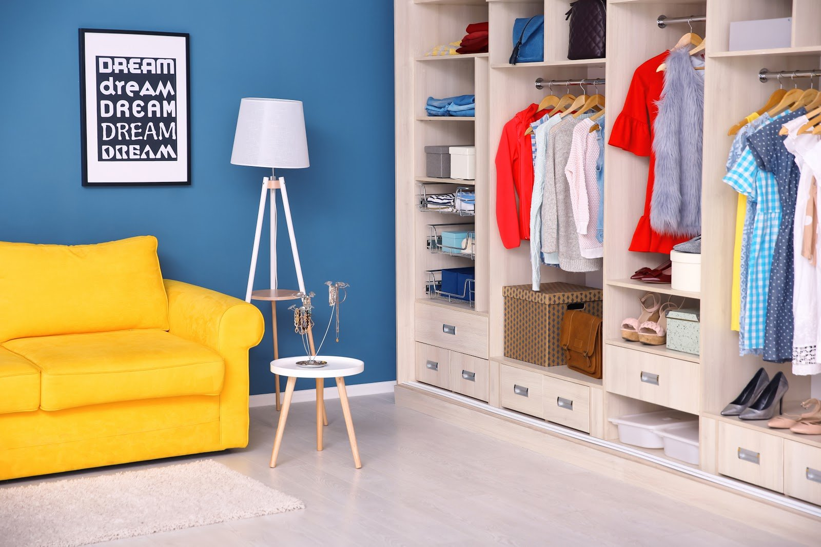 How to Turn a Spare Bedroom Into a Closet
